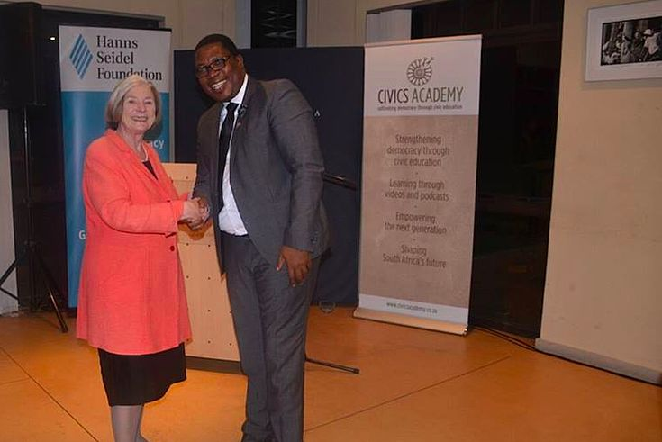 Panyaza Lesufi, MEC for Education in Gauteng, with Professor Ursula Männle